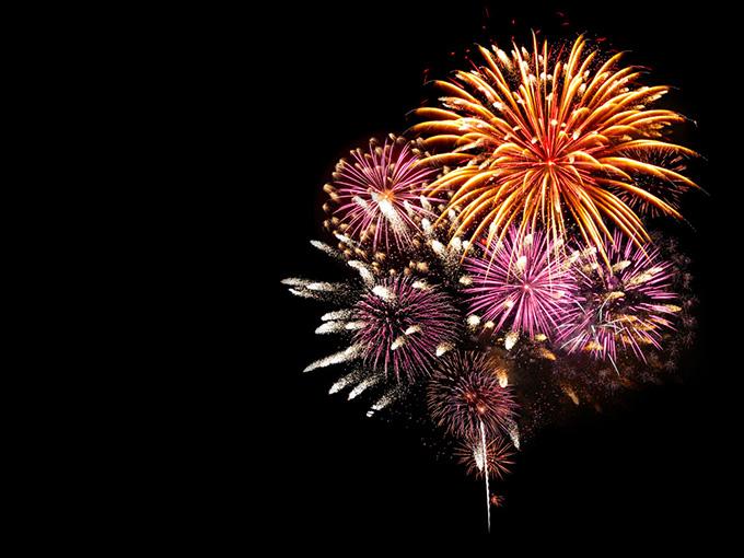 八月,不容错过的花火大会与盂兰盆节